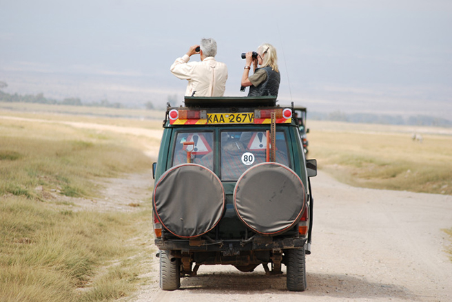 Photographers on African Wildlife Foundation safari